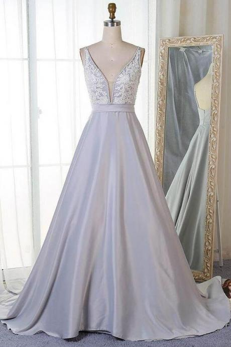 Sleeveless Plunging V Neck Prom Dress A Line Wedding Party Dress With Lace Appliques Bodice