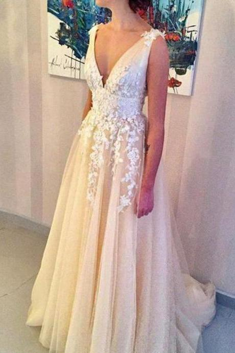 Champagne Deep V Neck Prom Dress Sleeveless Tulle Wedding Party Dress With Lace Appliques