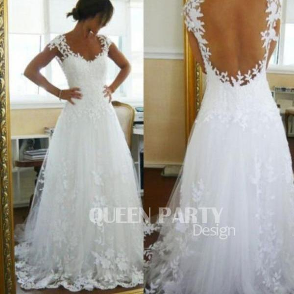 Latest Lace Appliques White Tulles Wedding Gown With Cap Sleeves